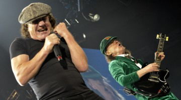 Angus e Brian Johnson. Tacoma Dome. 2016