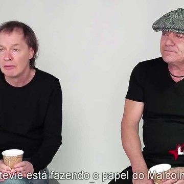 Angus Young e Brian Johnson. Novembro de 2014.